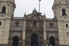 """La Novela """"El Guardián del Linaje"""" en Perú, Lima: Plaza de Armas"""