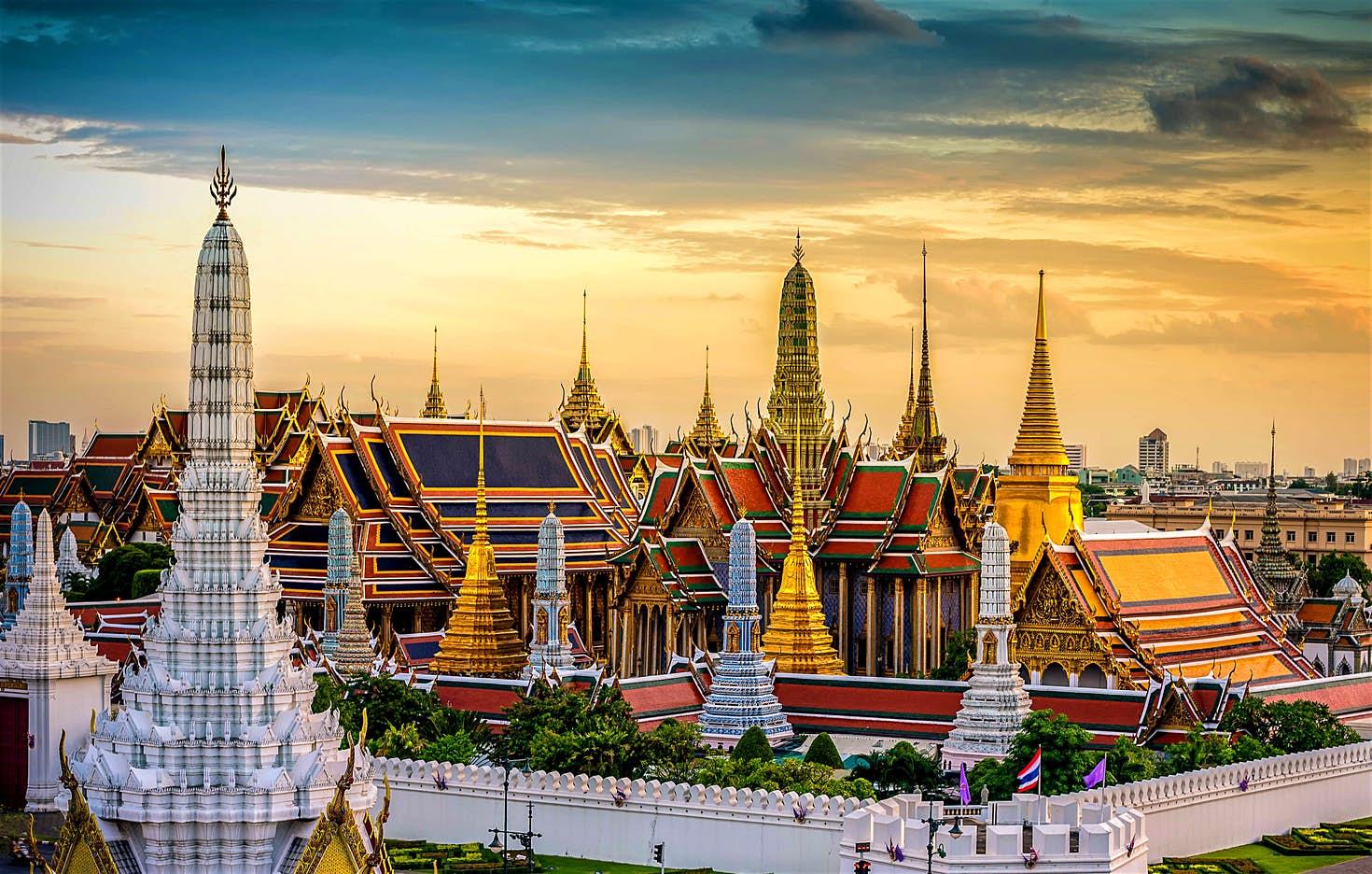 Wat Arun.  Su nombre significa Templo de la Aurora o Templo del Amanecer