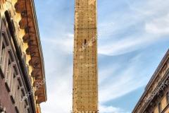 Torre Asinelli de 97 metros de altura.