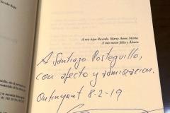 """Dedicatoria escrita en el ejemplar de """"El Guardián del Linaje"""" entregado a Santiago Posteguillo."""